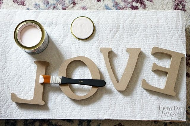 love-letters-diy-dollar-store-centerpiece