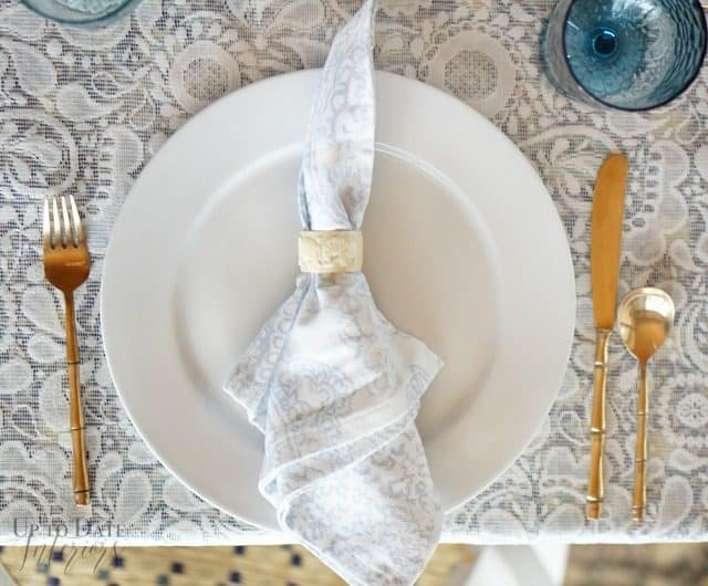 place-setting-spring-table