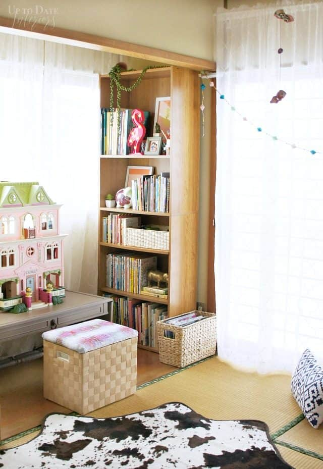 reading-doll-house-knook-global-boho-chic-bedroom