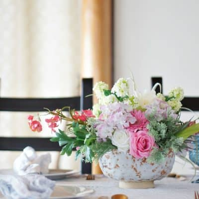 Make a Beautiful Colorful Spring Table with an Easy DIY