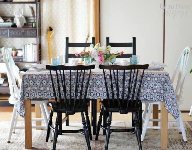 spring-table-setting-blue-pink