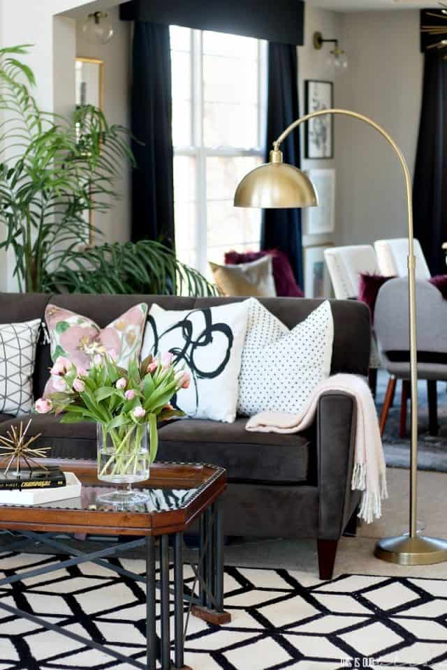 Blush Bold Spring Living Room Tour 2018 Spring Tour Of Homes Pillow Pattern Play This Is Our Bliss