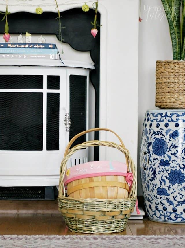 easter-basket-with-pom-poms-pinterest