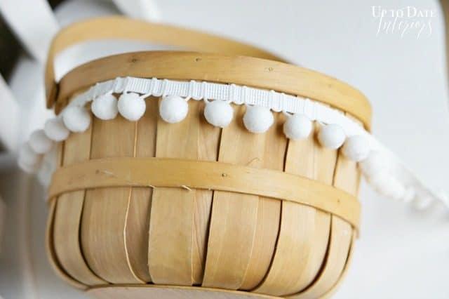 easter-basket-with-white-pom-pom-trim