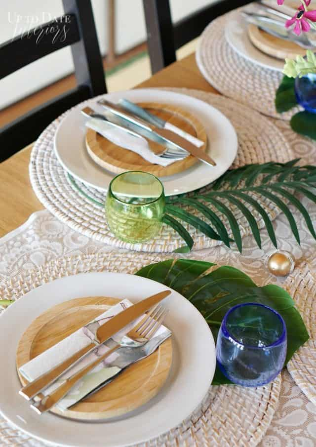 easter-palm-leaves-table-setting