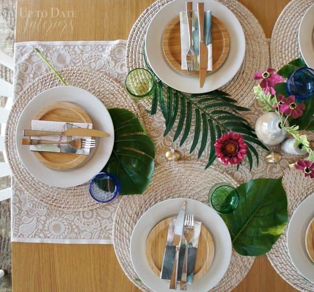 palm-leaves-purple-flowers-easter-table