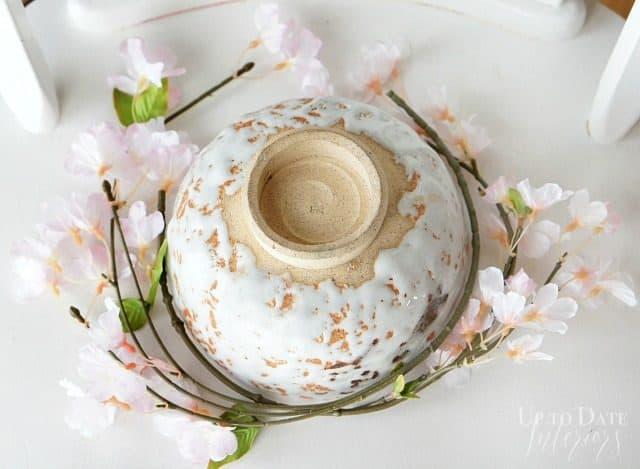 round-floral-stems-around-bowl