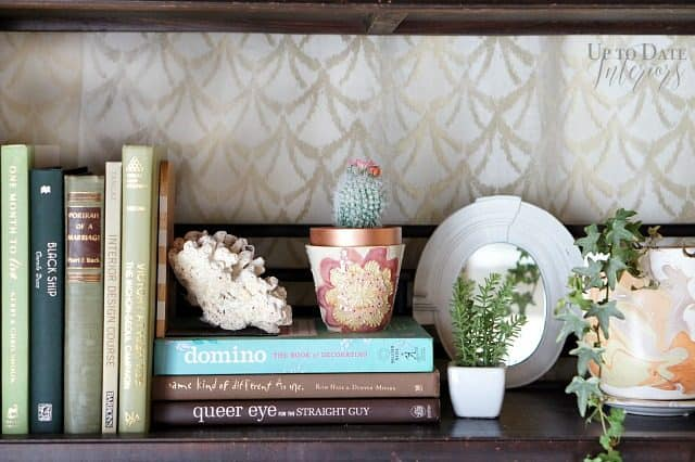 spring-bookcase-styling