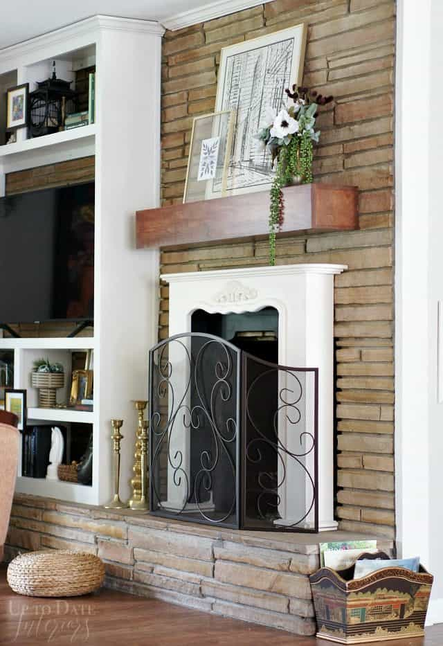 Fireplace Updated Mantel with diy floral arrangement