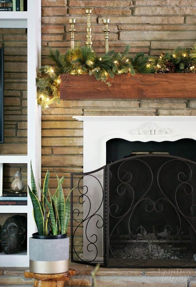 Tree Classics Garland Eclectic Fireplace Seasonal Mantel