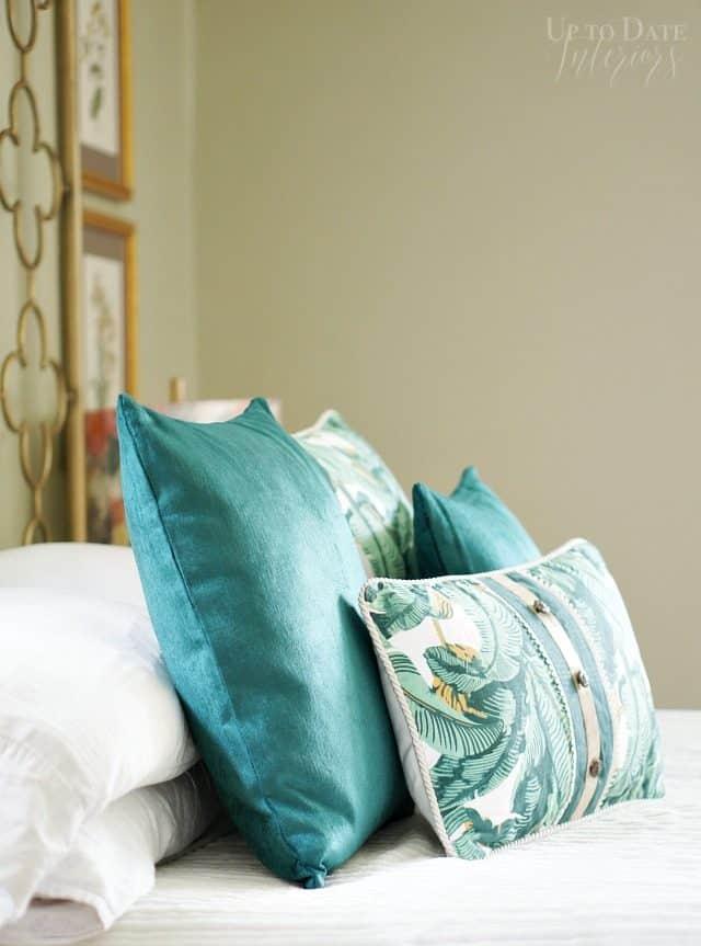 Dex Den Emerald Throw Pillows Bedroom
