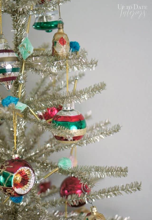 Tree Classics Merry Bright