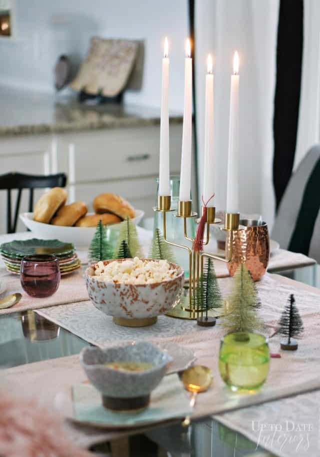 dining-table-decorated-winter