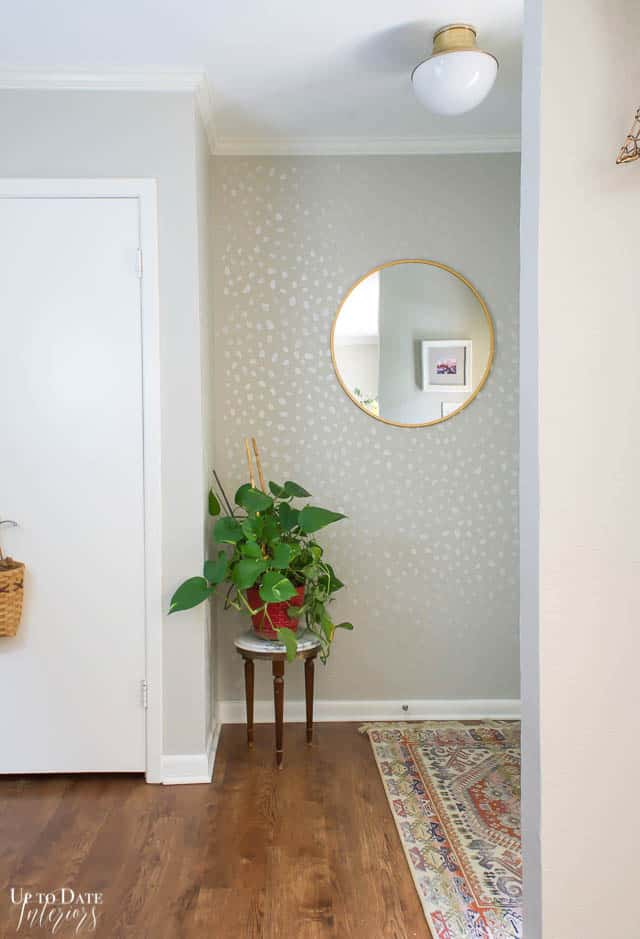 foyer makevoer-no-shoes-in the house and stenciled walls