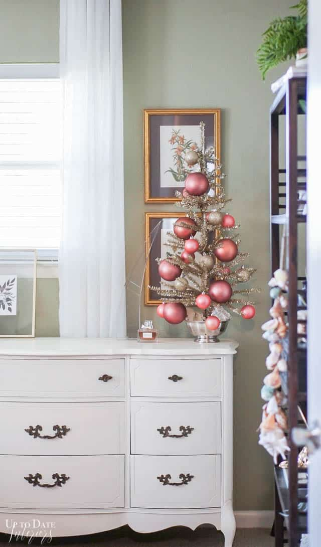 Christmas Decorations Bedroom Edited 14