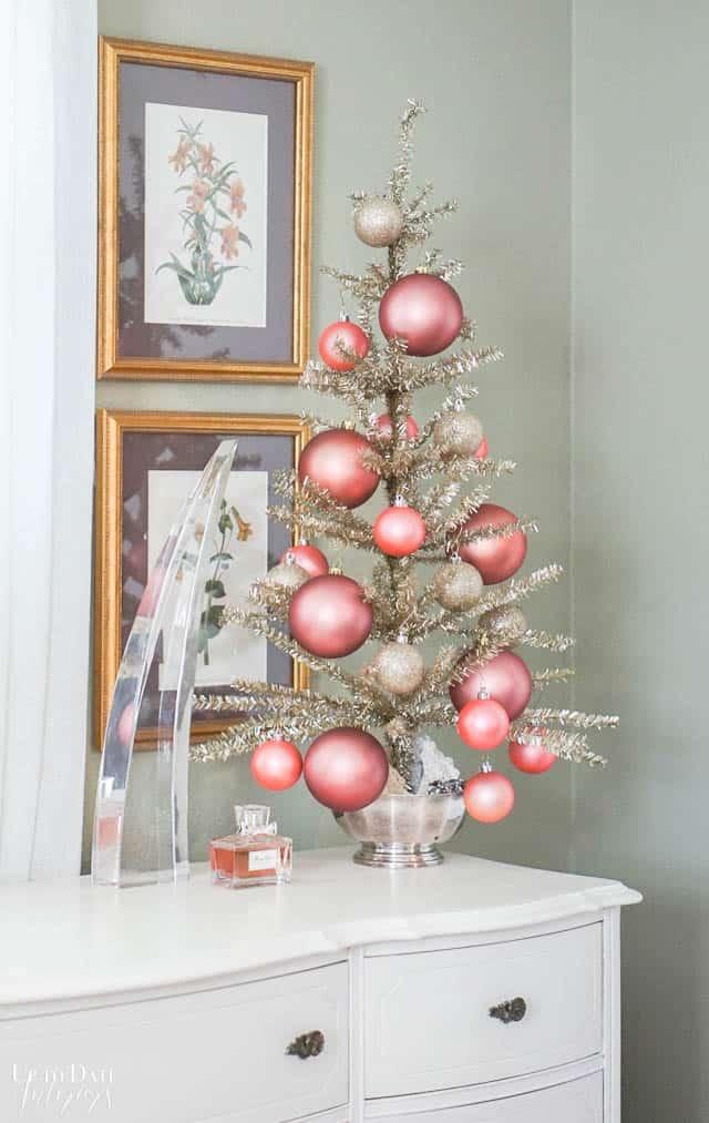 Christmas Decorations Bedroom Edited 8