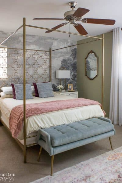 How To Utilize Space In A Small Bedroom Edited 10