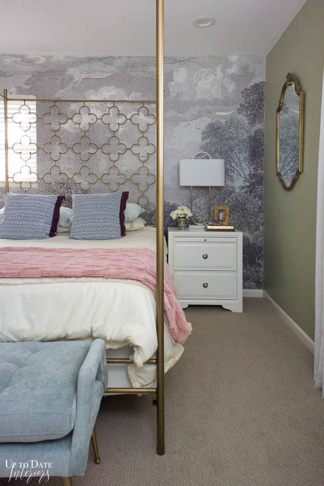 How To Utilize Space In A Small Bedroom Edited 14