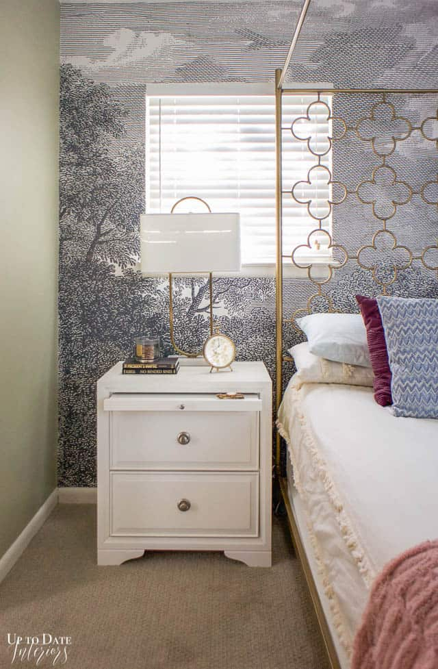How To Utilize Space In A Small Bedroom Edited 9