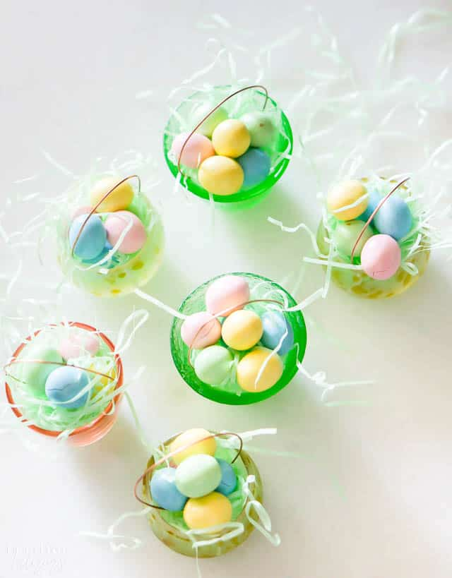 How to make mini Easter baskets