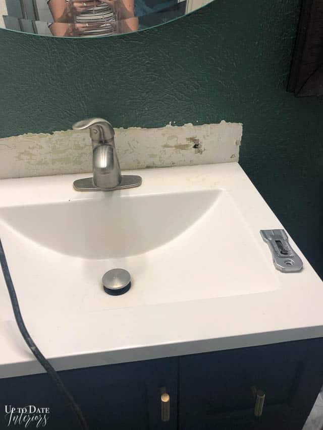 How To Remove Tile Backsplash 3