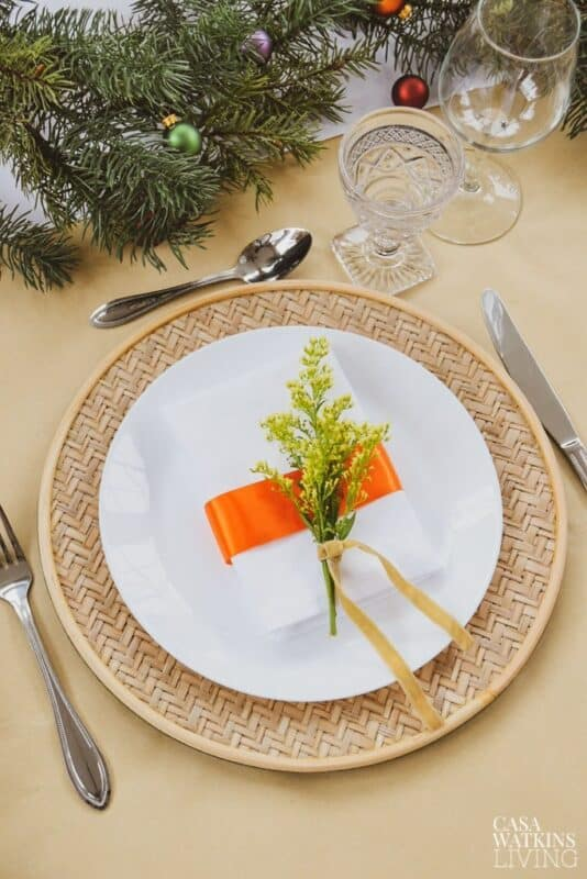Modern Floral Christmas Table Setting
