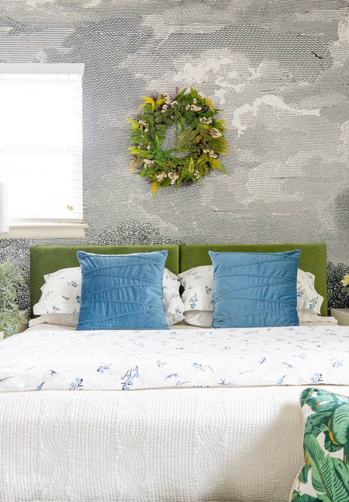 Summer Bedroom Decorating With Green Blue 6