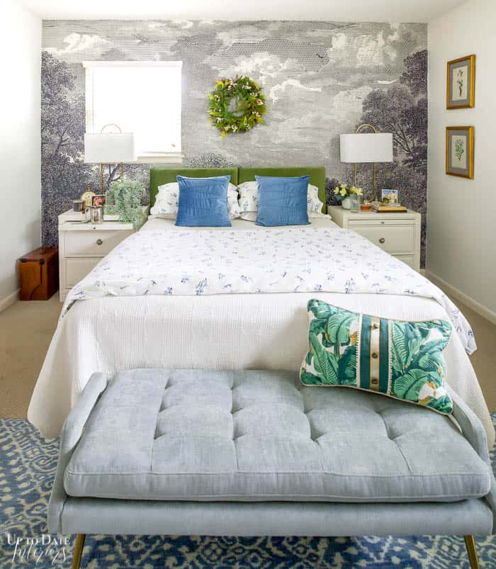 Summer Bedroom Decorating With Green Blue 9